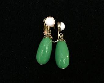Avon Green and White Dangle Clip on Earrings