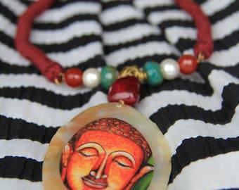 Vana Neckpiece with mother-of-pearl pendant