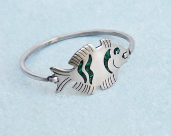 Vintage Alpaca Fish Cuff Bracelet - hinged silver metal bangle with inlaid malachite - made in Taxco Mexico