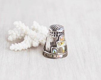 Vintage Taxco Mexico Thimble - small 925 sterling silver inlaid abalone shell pyramid - Mexican souvenir gift for seamstress