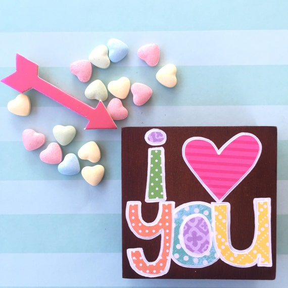 Stained wood I heart you sign. i love you. Valentines Day gift. pop of color. Valentine Vday gift. small wood sign. wood block. love.
