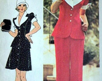 Vintage 70s Short Two Piece Dress or Top & Pants Sz 9 Junior Bust 33 Princess Seaming Contrasting Collar Front Button Closure Short Sleeves