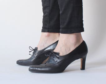 black leather oxford heels | 1990s anne klein leather pumps | US 7 | EU 38