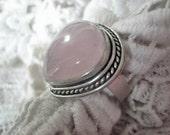 Vintage pink Rose quartz gemstone ring, Vintage pink gemstone ring, Pale pink gemstone, Vintage boho ring, Vintage teardrop gemstone ring