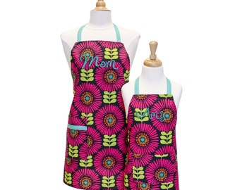 Personalized Apron Set Girls Apron Matching Aprons Toddler Apron Mother Daughter Mommy and Me Aprons Matching Aprons Little Girl Apron Kids