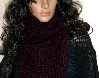 Thick and Chunky Crochet Kerchief Scarf, Cowl, Neckwarmer, Winter accessory, Triangle Cowl, Triangle Neck Warmer, in DEEP BURGUNDY