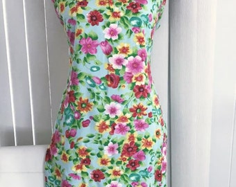 Pretty Vintage Rayon Shift Dress by Honolulu's Made in Japan -- 1960's Size M-L
