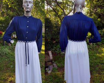 Sale 30% OFF 70s Dress in Navy and White, Vintage Dress by New Discoveries, Vintage Costume Size 8