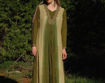 Size Medium... Indian Maxi Dress... Green Ombre
