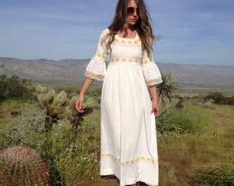 Vintage 70's Cream Gauze and Lace Bell Sleeve Maxi Dress / Cotton Prairie Peasant Dress / Boho Hippie Women XS S