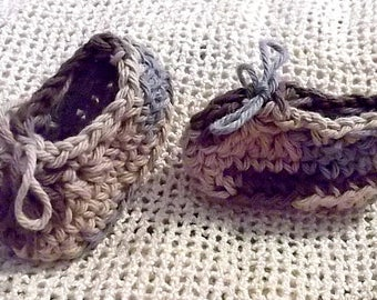 Baby Slipper....New Color....Camo...Newborn size...Baby Boy...Baby Girl.....Brown OMBRE...Perfect Gift..Comfy....READY To SHIP