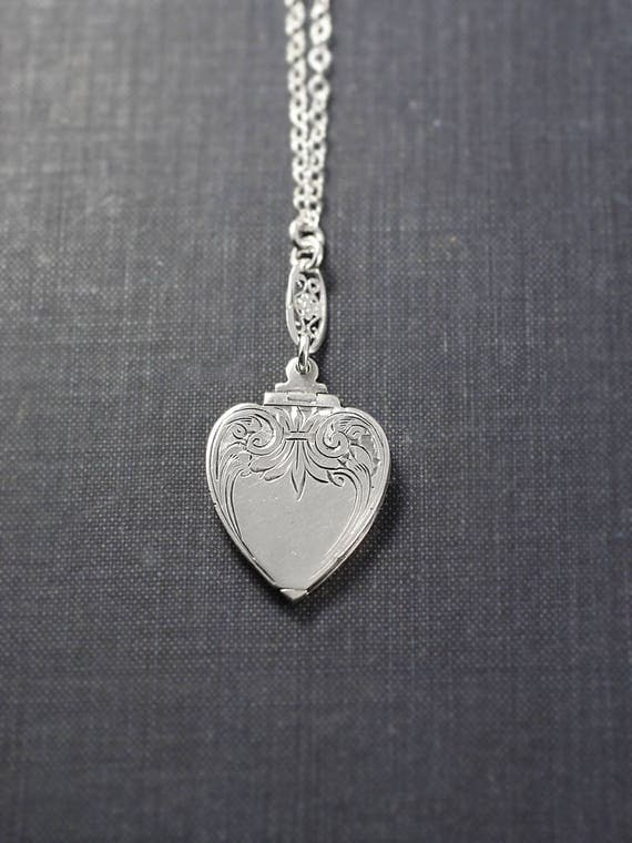 1920's Art Deco Sterling Silver Heart Locket Necklace, Small Vintage Photo Pendant with Special Filigree Chain - Splendid