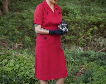 On Assignment - Vintage 1940s WW2 True Red Gabardine Day Dress w/Front Pockets Black Buttons - 6