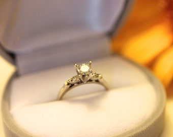VINTAGE, Tall Solitaire engagement ring, 18K, VVS diamond, white gold solitaire / antique diamond ring