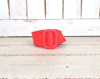 Vintage red wide woven straw belt
