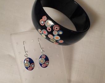 MILLEFIORI LUCITE / Bangle Bracelet & Pierced Earrings / Blue Demi-Parure / Layered / Laminated / Embedded / Art Moderne / Accessories / Set