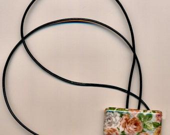 Porcelain Pendant w/Roses Transfer Necklace