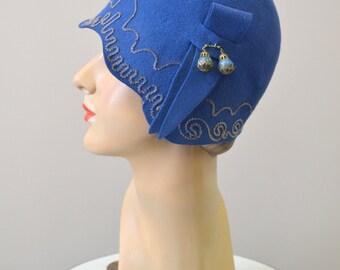 1920s Blue Felt Cloche Hat with Metallic Bullion Trim