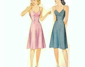 1940s Slip Pattern V Neckline, Sleeveless, Size 14, Bust 32,  Simplicity 3829, Vintage Sewing Pattern