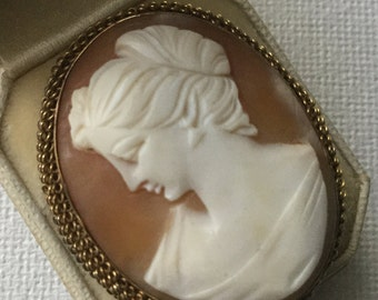 Viola Gold filled shell cameo brooch or pendant.  VJSE
