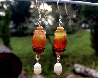 Agate and Freshwater Pearl Earrings