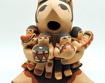 Storyteller - Native American Pottery - Judy Toya Pottery - 7 Children - Grandmother Storyteller - Collectible Pottery - Jemez Pueblo