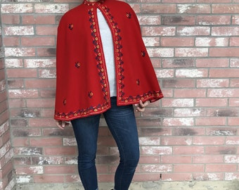 VINTAGE Bright Cherry Red Embroidered Felt Reversible Satin Cape