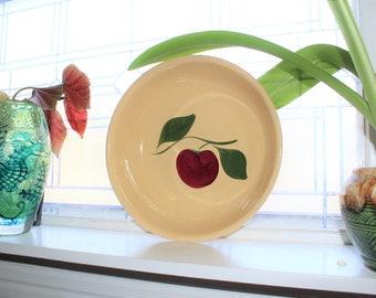Large Watt Pottery Spaghetti Bowl 39 Apple Pattern Vintage 1950s