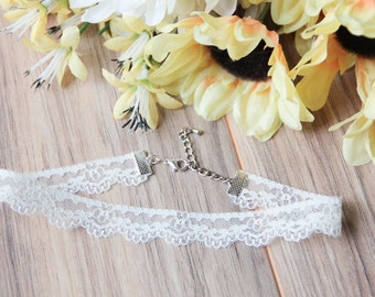 White floral lace choker necklace | Floral choker | Dainty choker | Delicate choker | Scalloped lace | Bohemian boho festival jewelry