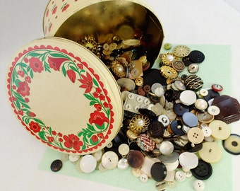 Button tin B - Just over 2 pounds of Vintage buttons in a Red Flower Floral Tin Huge Lot retro old seamstress collection