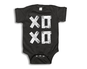 Baby One Piece - Hugs and Kisses Onesie - 100% cotton Short Sleeve & Long Sleeve - Newborn to 18 Months - Baby Boy - Baby Girl