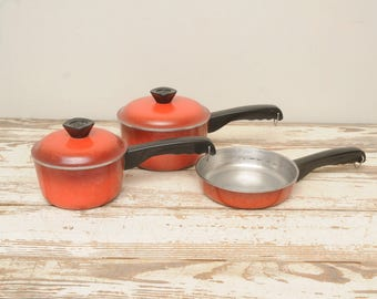 Vintage Club Red Cookware Set Pots