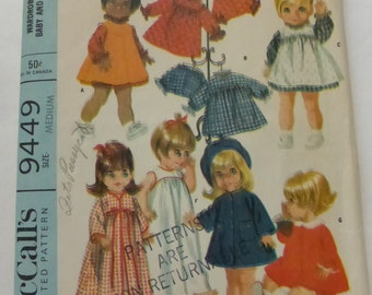 Vintage McCalls 9449 Wardrobe for Medium Chubby Baby and Toddler Dolls   17-18 1/2 Inches