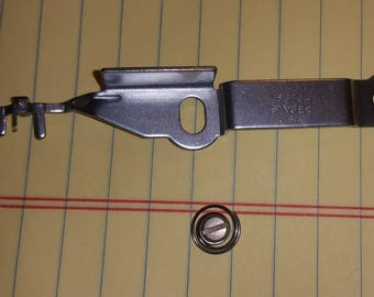 Singer sewing machine needle threader 163704 for 600 & 700 series