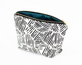 Lines Toiletry Bag - Cosmetics Bag - Travel Bag - Pink, Yellow or Black