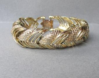 Pristine Vintage 1950's CORO Pegasus Chevron Link Gold Tone Bracelet