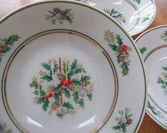 """Noritake Holly 2228 Christmas 7.5"""" Bowls Soup/Salad China Set Lot of 3 Japan"""