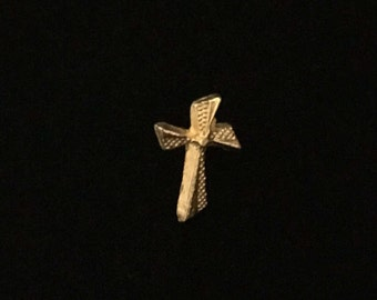Vintage Cross Lapel Pin in textured Goldtone    (JT1)