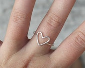 Heart ring sterling silver ring minimalist and romantic ring stackable ring love - AME D'ARGENT
