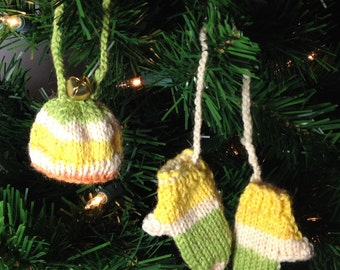 Mini Knitted Ornament Set, Mitts and Hat Duo, Set of 2 Miniature Decorations, Mini Mittens and Toque, Hand Knit Christmas Ornaments