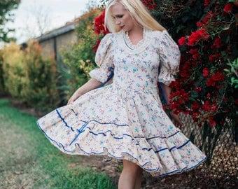 1950's Swing Dress || Vintage Prairie Dress || Peasant Style Festival Dress