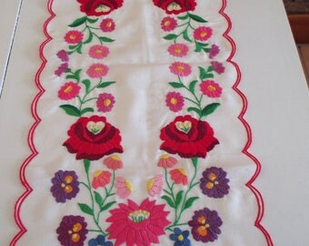 "236. Vintage hand embroidered table runner with ,, kalocsai pattern "" , handmade table runner, hungarian table runner (unused)"