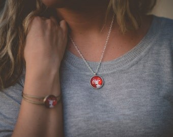 Red & White Reindeer Pendant Necklace