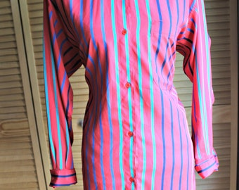 Vintage. Long top. Striped. Alfredo Bendini. Red/blue/green/silky. Size small/med. 1980s.