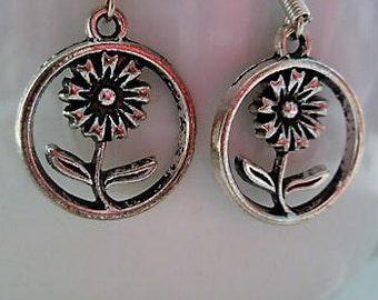 Flower Earrings. Silver Dangle Earrings. Gift women. Women's Earrings. Flower Jewellery. Flower charms. Boho style. Tibetan silver. Earrings