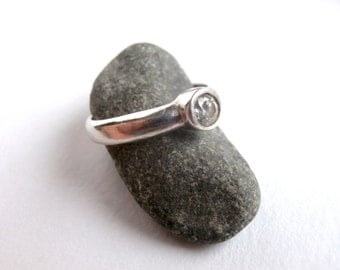 Clear Stone Ring - Sterling Silver - Crystal Stones - Vintage Silver Ring