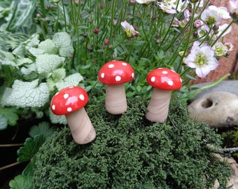 3 Red and White Spotted Fairy Toadstools for your Miniature Fairy Garden / Elf Garden. Dolls house miniatures in polymer clay.