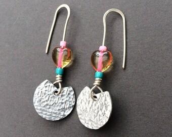 Small fan handmade earrings with heart bead