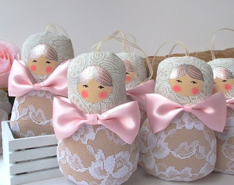 Babushka ornament, russian dolls, 5 dolls set. Blush pink satin bows, cottage chic. Pastel palette matryoshka dolls. Nice gift for anybody