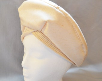 Beautiful Vintage Ladies' Hat or Turban - Miss Dolores, Made in England, Cream Linen with Satin Interior